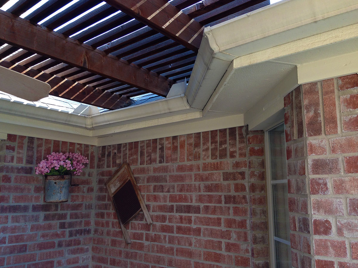 Attached To Roof Archives - Hundt Patio Covers and Decks