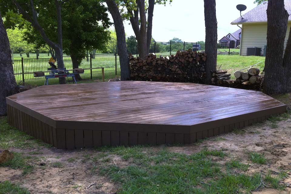 how to build a freestanding deck cover
